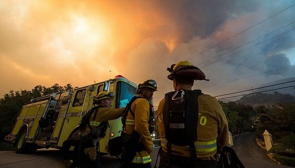 美國「托馬斯大火」已成加州史上最大山火 65%得到控制