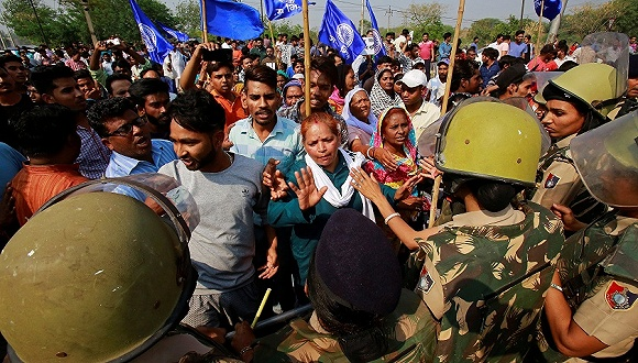 【天下頭條】道指暴跌近460點 印度暴力抗議導致8人喪生