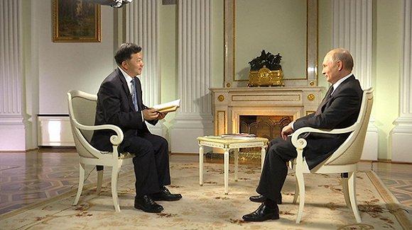 慎海雄專訪普京:除了半島局勢,還聊了足球和健身