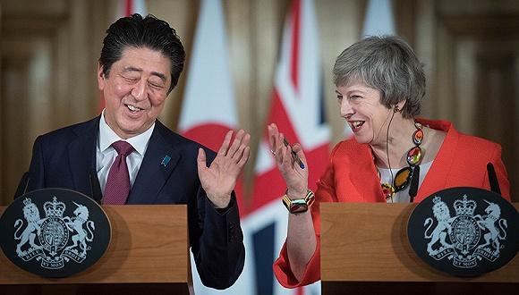 訪英為新經濟夥伴關係造勢,安倍:全世界都不希望硬脫歐