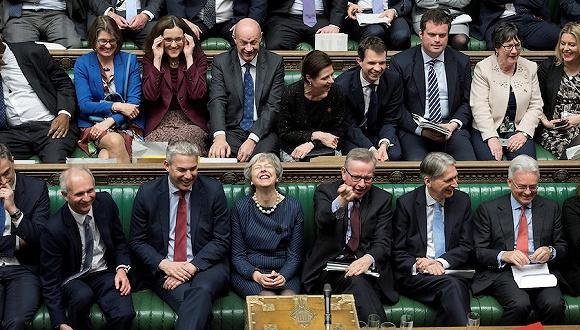 【天下頭條】英國議會投票支持推遲脫歐 法國開始調查埃航失事客機黑匣子