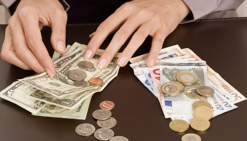 私下換匯有風險,海外留學生謹防「洗錢」陷阱
