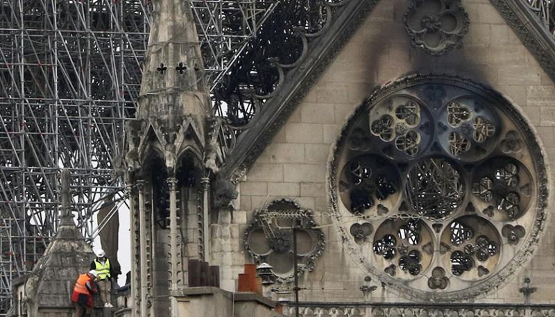 商界巨鱷「拼捐」7億歐元重建款,這些年巴黎聖母院等得太久了