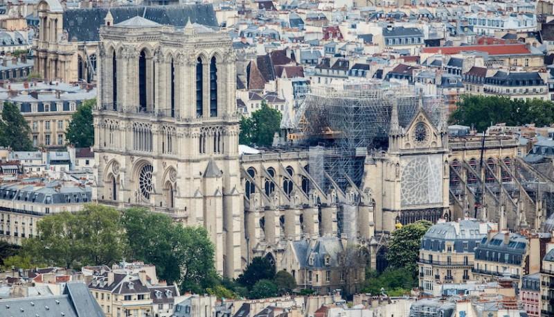 巴黎聖母院火災調查啟動,頂部電路布線成重點對象