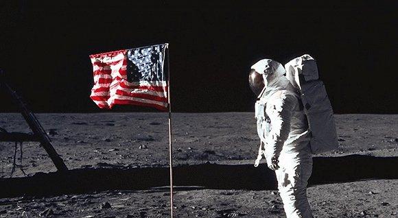 人類登月50周年:影棚擺拍的陰謀論怎麼還有市場?