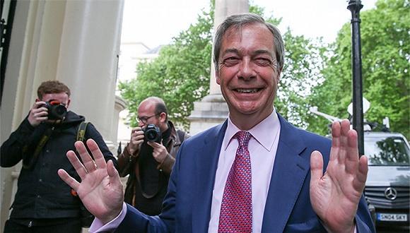 英國政客與王室成員矛盾公開化,查爾斯、哈里王子遭脫歐黨黨魁抨擊