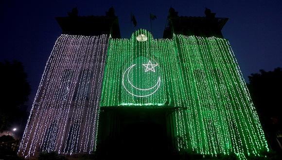 獨立日巴總理突訪克什米爾,聲援同胞彰顯團結