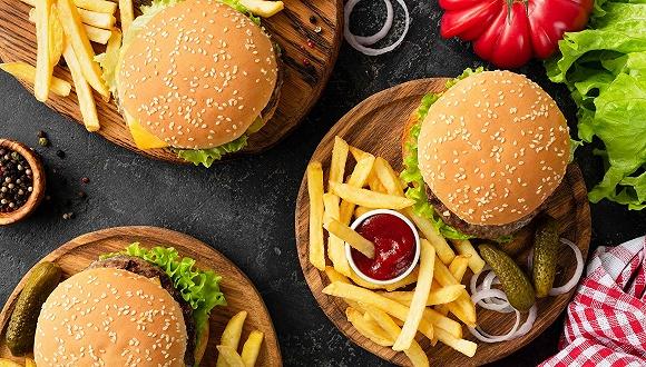 缺肉做漢堡、早餐增長落空:美國快餐店的挑戰還不止這些